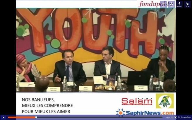 Capture d'écran du débat « Nos banlieues, mieux les comprendre pour mieux les aimer », de gauche à droite : Huê Trinh Nguyên, Gilles Kepel, Dominique Reynié, Anasthasie Tudieshe.