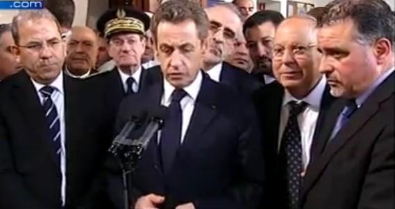 Nicolas Sarkozy, entouré du président du CFCM Mohammed Moussaoui (à g.) et du recteur de la Grande Mosquée de Paris Dalil Boubakeur (à dr.).