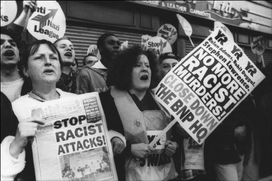 La crise économique exacerbe les comportements racistes