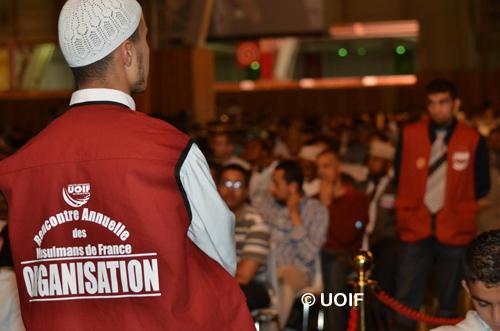 Les chiffres clés de la RAMF : 5 espaces de conférences, plus de 30 conférenciers, 10e Concours annuel de mémorisation du Coran, 250 exposants dans l'espace commercial, 1 000 bénévoles.