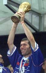 1998, Zidane brandit la Coupe du Monde