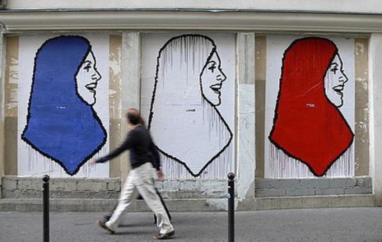 Les actes anti-musulmans en hausse de 58 % en 2011, l'islamophobie d'Etat dénoncé (CCIF)