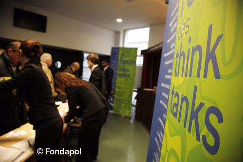 On recense 6 480 think tank dans le monde. La France en compterait 160, l'Allemagne 190, le Royaume-Uni 300 et les États-Unis 1 500.