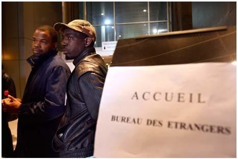 Immigration : Claude Guéant institutionnalise le « racket d'État »