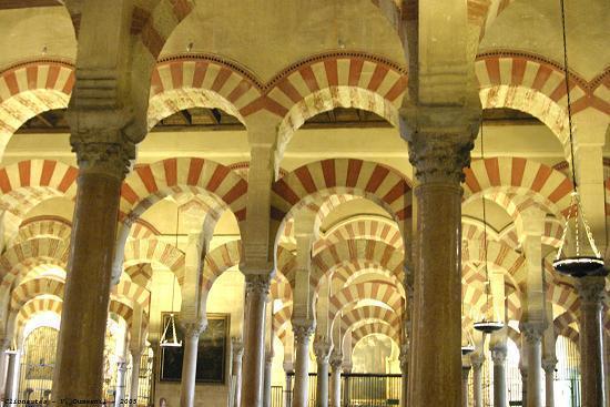 Cordoue, un des symboles du dynamisme technique, intellectuel et artistique de la civilisation arabo-musulmane au Moyen Âge.