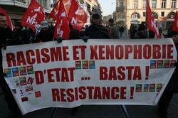 Racisme et xénophobie explosent dans une Europe en crise