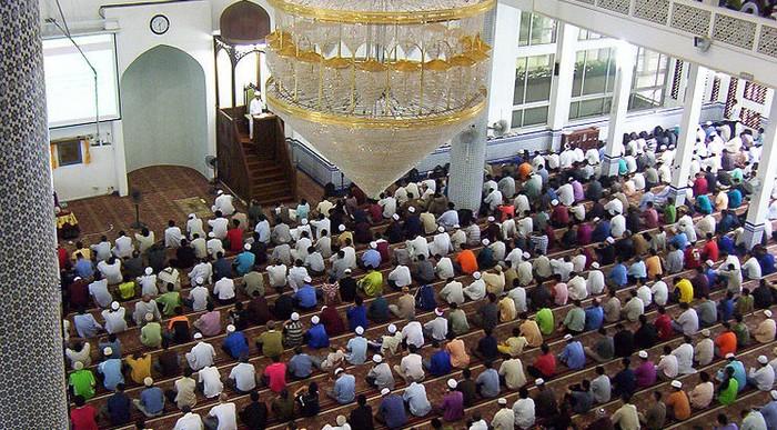 Coronavirus : les mosquées de France à l'épreuve du Covid-19 avec l'annulation des prières du vendredi