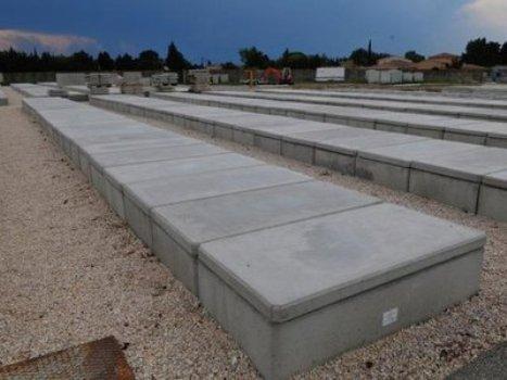 A Avignon, la construction de cuves en béton sans fond pour inhumer les morts met les musulmans en colère, d'autant que ce projet a été validé sans aucune concertation avec la communauté musulmane.