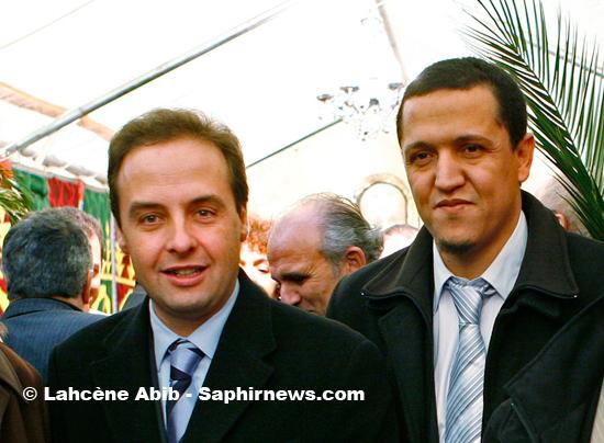 Hassen Claghoumi, président de l'Association culturelle des musulmans de Drancy, et Jean-Christophe Lagarde, maire de Drancy et député sortant
