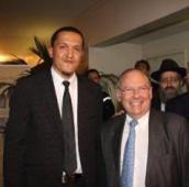 Aux côtés de Richard Prasquier, président du CRIF.