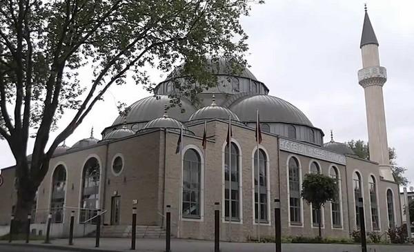 Allemagne : quand l'adhan d'une mosquée résonne en signe de solidarité face au coronavirus (vidéo)