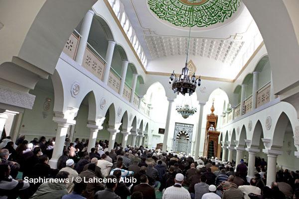 En France, quelques centaines de mosquées servent des repas de rupture de jeûne (iftar) chaque soir de Ramadan. Ici, la Grande Mosquée de Clermont-Ferrand (Auvergne).