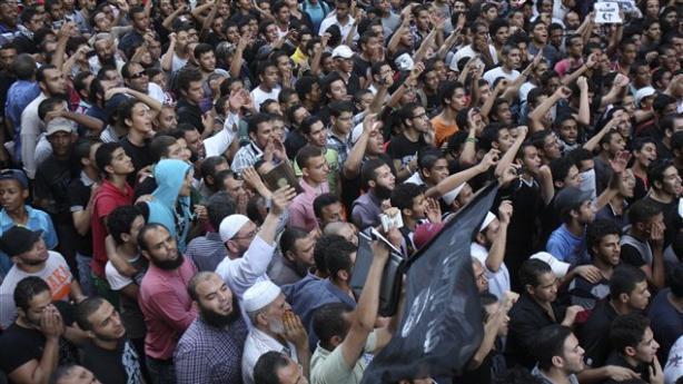 Des milliers de personnes ont manifesté en Egypte contre la diffusion du film anti-islam « L'Innocence des musulmans ». Des manifestations ont conduit à la mort de diplomates américains en Libye.