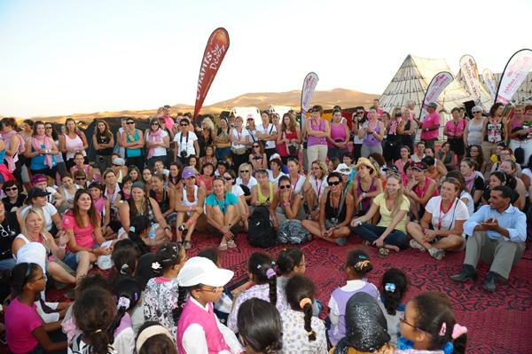 Roses des Sables : un rallye féminin pour aider les enfants marocains