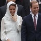 Kate Middleton voilée en Malaisie mais vue seins nus en Provence