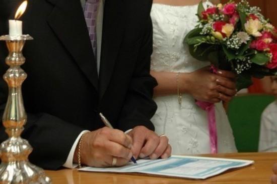 Parce que la femme était voilée, la justice a donné raison, vendredi 21 septembre, à la mairie de Seyne-sur-Mer, dans le Var, qui avait refusé à un couple musulman le droit de se marier.