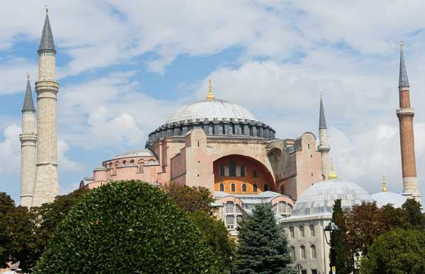 Turquie : la justice se prononce pour la reconversion de Sainte-Sophie en mosquée