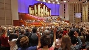 Etats-Unis : avec le mormon Mitt Romney, à la découverte de sa religion