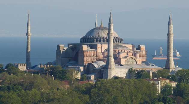 Sainte-Sophie est passée en juillet 2020 de musée à mosquée après une décision judiciaire prise par le Conseil d'Etat turc. © Pixabay/Falco