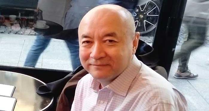 Enver Tohti est un ancien chirurgien originaire de la province du Xinjiang qui a assisté et participé à des prélèvements d'organes sur des prisonniers et des condamnés à mort par le passé en Chine avant son exil à Londres, en Grande-Bretagne, en 1998. © Gianguglielmo Lozato / Saphirnews.com