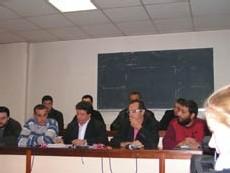 Mouloud Aounit (à gauche)