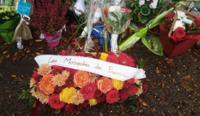 Les représentants du culte musulman en France se sont réunis, vendredi 23 octobre, à Conflans-Sainte-Honorine, dans les Yvelines, pour rendre un hommage appuyé à Samuel Paty. © Saphirnews / DR