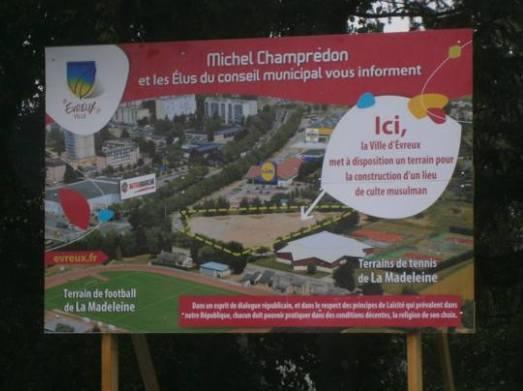 Une future mosquée à Evreux pourrait voir le jour dans le quartier de la Madeleine avec le concours de la mairie.