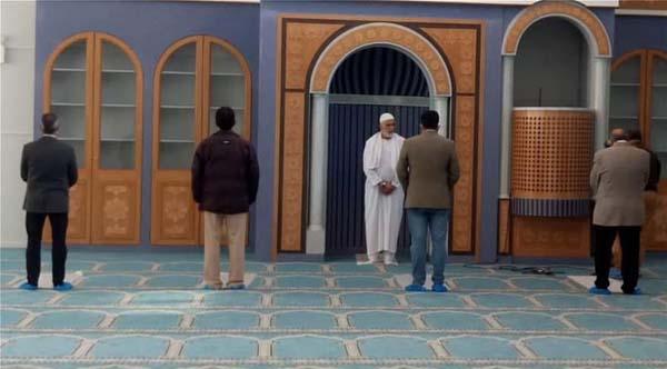 Dans une Grèce en proie au Covid-19, Athènes ouvre enfin sa première mosquée aux musulmans