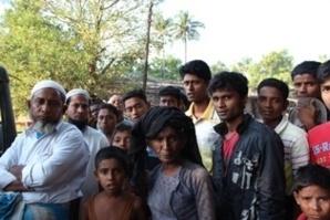 Des Rohingyas (musulmans) de Birmanie