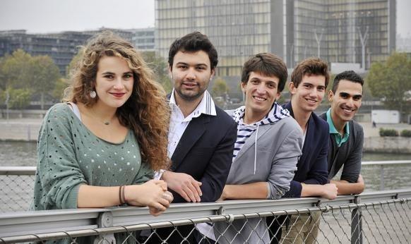 Un tour du monde de l'interreligieux sera entrepris pendant un an par cinq jeunes de l'association Coexister, à partir de juillet 2013. (Photo Corine Simon / CIRIC)