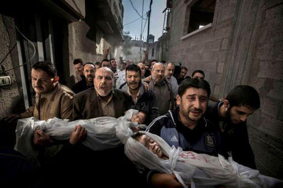 Une image prise lors de l'attaque israélienne contre Gaza, en novembre 2012, récompensé au World Press Photo, en février 2013.