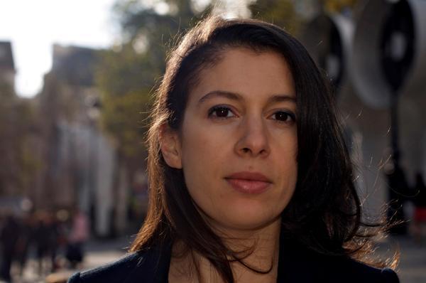 La journaliste Nadia Henni-Moulai, auteur du i[« Petit précis de l'islamophobie ordinaire »]i.