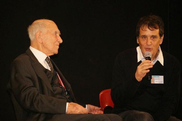 Brahim Senouci aux côtés de Stéphane Hessel.