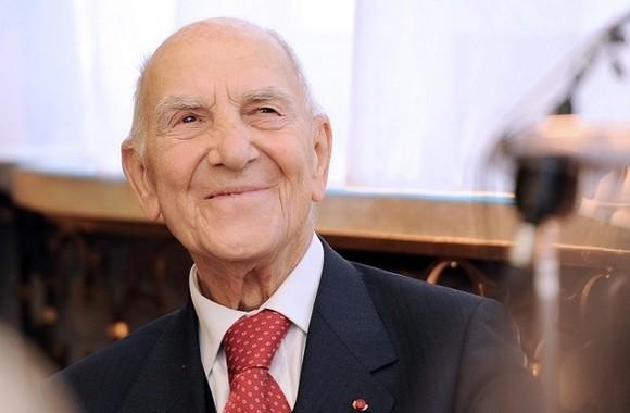 Un hommage national a été rendu aux Invalides à Stéphane Hessel, jeudi 7 mars, une semaine après le décès de cet ancien résistant à l'âge de 95 ans.