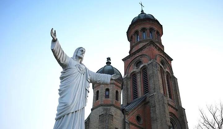 Contre la loi bioéthique, l'Eglise catholique invite à jeûner