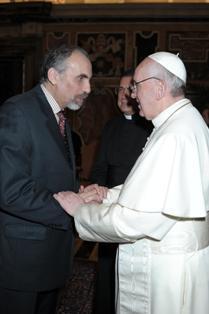 Mustapha Chérif avec le pape François.