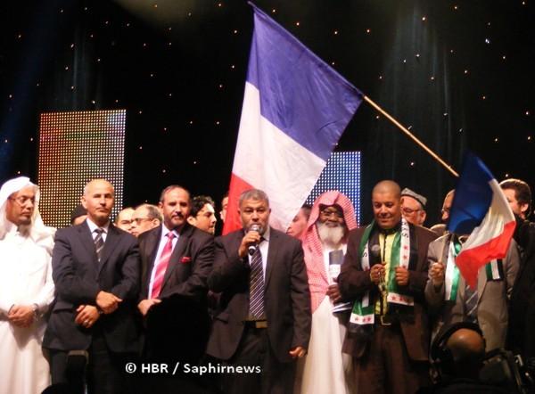 La cérémonie de clôture de la 30e Rencontre annuelle des musulmans de France (RAMF) 2013.