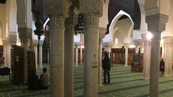Après l'adoption du projet de loi contre le « séparatisme », le gouvernement prévoit d'effectuer des contrôles dans 89 mosquées. / © Mohamed Ghomrasni