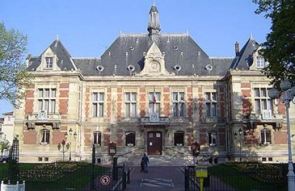 Les tensions entre l'Association Fraternité de Montrouge (AFM) et la mairie sont au plus haut depuis le nouvel arrêté de fermeture, décrété en février, de l'unique mosquée de la ville de Hauts-de-Seine.