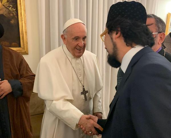 L'imam Yahya Pallavicini, président de la Communauté religieuse islamique italienne (COREIS), à la rencontre du pape François.