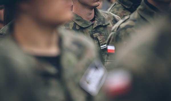 Une cinquantaine de militaires néonazis épinglés, des cas isolés pour le ministère des Armées