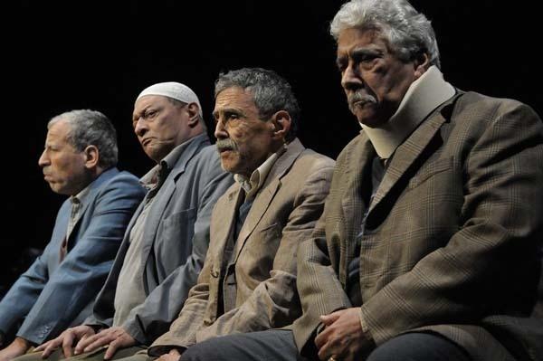 Invisibles, texte et mise en scène de Nasser Djemaï. (Photo : Philippe Delacroix)