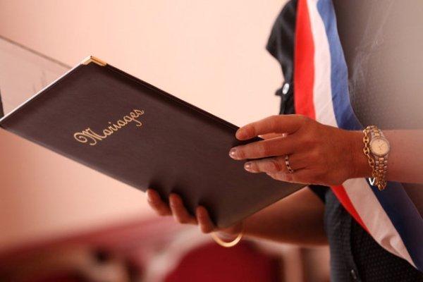 Mariage gay : la liberté de conscience peut-elle surpasser la loi ?