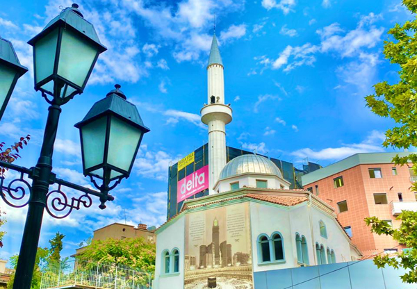 Albanie : une attaque au couteau survient dans une mosquée en plein Ramadan
