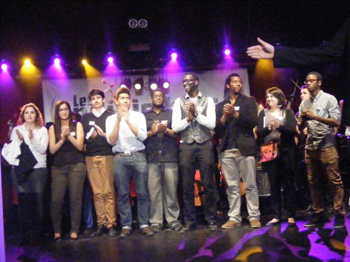 Les membres de l'association Les Indivisibles lors de la 5e cérémonie des Y'a Bon Awards.