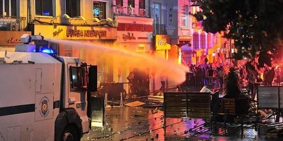 La contestation politique actuellement à l'œuvre en Turquie ne saurait être qualifiée de « Printemps turc », à l'instar des « printemps arabes », qui ont eu lieu en Tunisie et en Egypte.