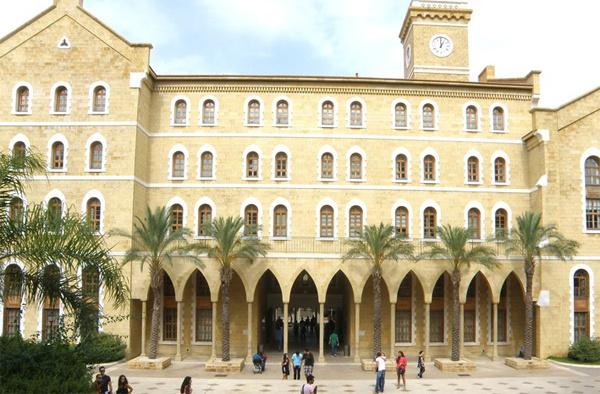 Les missionnaires sont à l'origine de la fondation d'institutions universitaires prestigieuses, comme l'Université américaine de Beyrouth (qui s'appelait à l'origine le Collège protestant syrien).