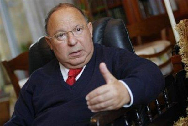 Dalil Boubakeur, recteur de la Grande Mosquée de Paris, à la présidence du CFCM dès dimanche 23 juin 2013 pour deux ans.