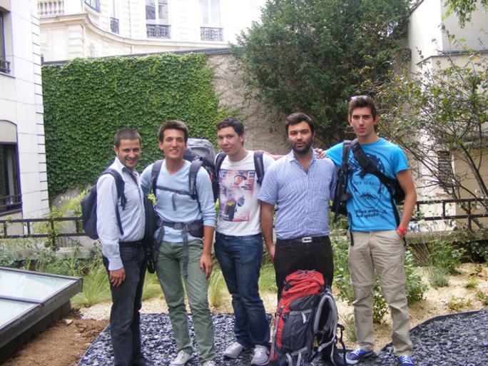 Ilan, Samuel, Ismaël, Victor et Josselin de Coexister avant leur départ pour l'Interfaith Tour.