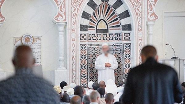 Deux imams évincés de leurs mosquées à la demande de Gérald Darmanin